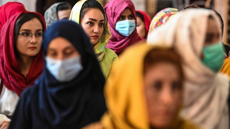 Талибы запретят музыку в Афганистане, зато разрешат женщинам выходить из дома без мужчин