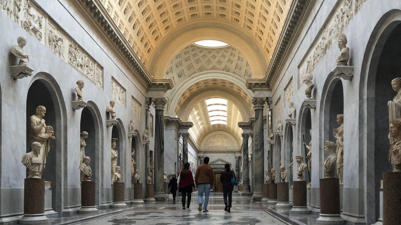 В музеях Ватикана выросло количество молодых посетителей