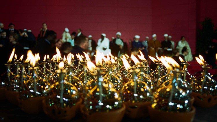 Папа Франциск: религии должны служить не насилию, а миру