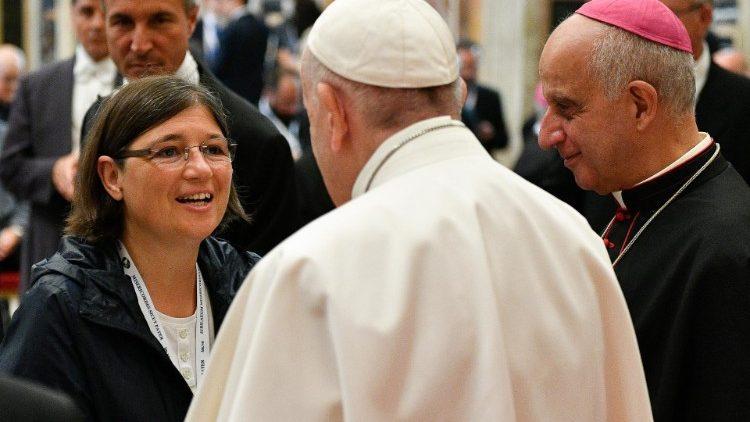 Папа Франциск встретился с ответственными за катехизацию в Европе