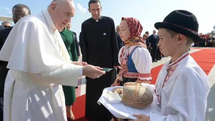 Визит Папы Франциска в Словакию начался с экуменической встречи
