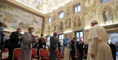 Святейший Отец встретился с членами Папской академии защиты жизни