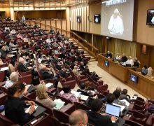 Папа Франциск дал аудиенцию активистам церковных движений