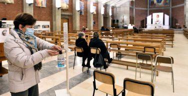 Кардинал Бассетти напомнил об антиковидных правилах в храмах