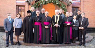 Встреча Апостольского нунция в РФ Джованни Д'Аниелло с представителями религиозных конфессий и властей города Новосибирска и области (+ ФОТО)