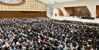 На общей аудиенции 27 октября Папа Франциск размышлял о плодах Духа и делах плоти