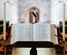 Ватикан издал декрет о переводах литургических текстов