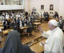 Папа Франциск призвал монахинь-салезианок к креативному переосмыслению их харизмы