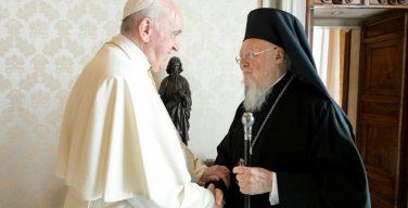 Папа Франциск поздравил Патриарха Варфоломея в связи с юбилейной годовщиной его избрания на Константинопольскую кафедру