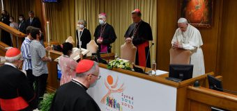 «Церковь в пути»: московский католик — о синодальности