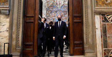Премьер Франции побывал в Ватикане