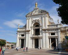 Папа Римский встретится с бедными в Ассизи