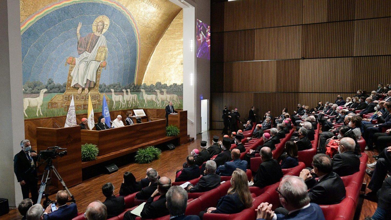 Папа: университеты должны воспитывать экологическое сознание