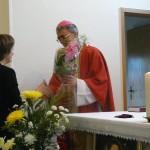 Прихожане приветствуют Владыку Иосифа