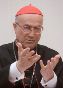Кардинал Тарчизио Бертоне