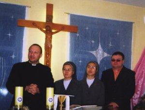 О. Анджей Обухоский, сестры Арета и Агнесса и прихожанин из Горно-Алтайска