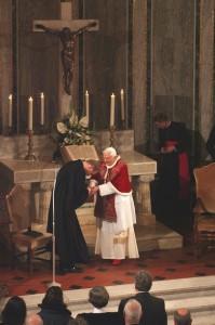 Пастор Крус приветствует Бенедикта XVI