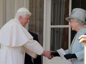 Бенедикт XVI и Елизавета II во время визита Папы в Великобританию