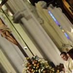Бенедикт XVI возглавляет Мессу в Кафедральном соборе Альмудена