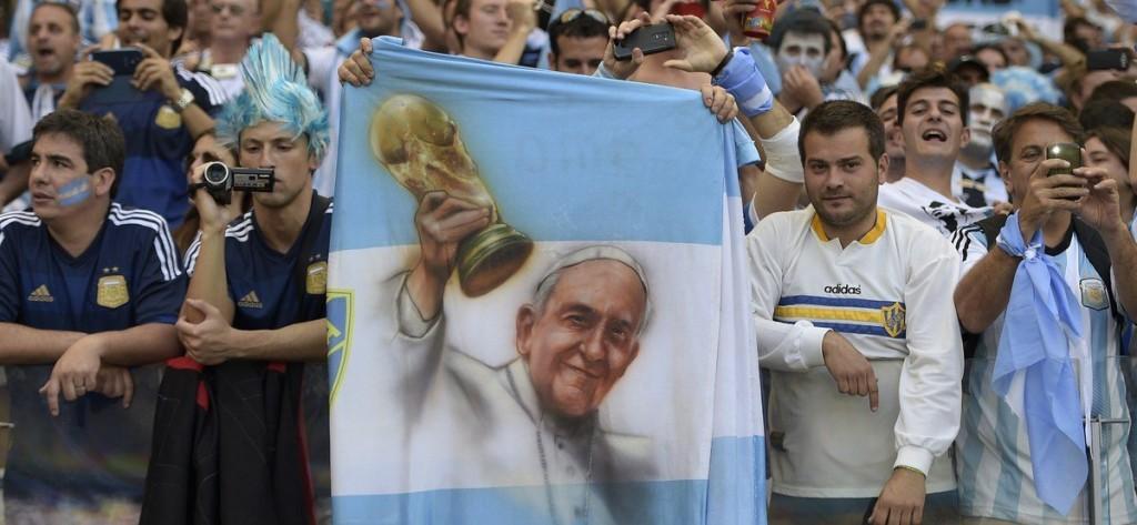 Аргентинские болельщики перед матчем группового этапа, в котором встречались Аргентина и Иран