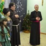 Christmas_in_catholic_scool (14)