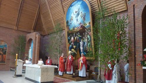 Богослужение Пятидесятницы в Кафедральном соборе Новосибирска