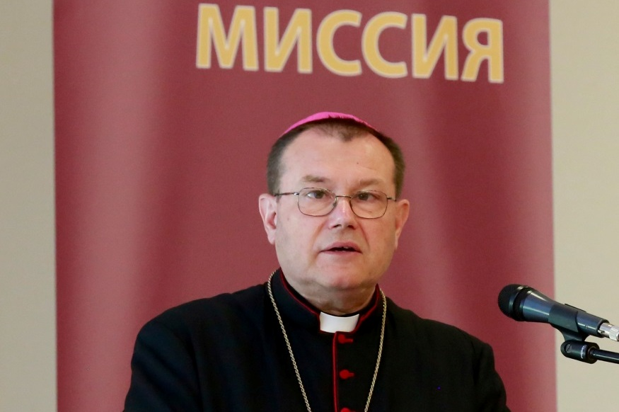 Архиепископ  Павел Пецци: «Бог, я, семья» (доклад на IV Всеепархиальной пастырской конференции Архиепархии Божией Матери в Москве)