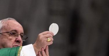 Святая Месса в центре Турина. Папа: совлечь с себя ветхие одежды обид и вражды и облачиться в чистую тунику кротости и мира