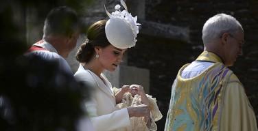 В Великобритании крестили дочь принца Уильяма и герцогини Кембриджской Кэтрин