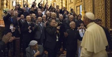 Встреча с общественностью Эквадора. Папа Франциск: никого не исключать, смотреть на политического противника как на члена семьи
