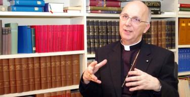 Либеральные СМИ организовали травлю епископа Хуондера, считает его собрат