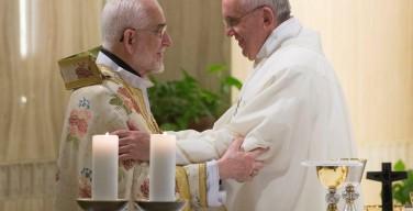 Папа Римский совершил литургию с армянским патриархом