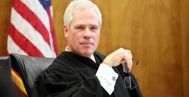 Против судьи штата Орегон начато расследование из-за его рекомендации своим сотрудникам не заключать однополые «браки»