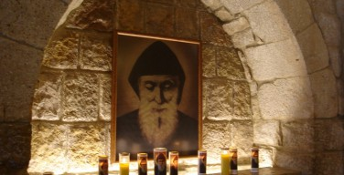 В Севастополь доставили мощи святого Шарбеля