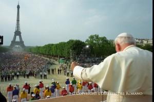 Иоанн Павел II на Всемирном дне молодежи в Париже. 1998 г.