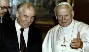 Иоанн Павел II и Михаил Горбачев