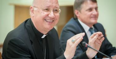 Монс. Челли: «Коммуникация – это не один из видов деятельности Церкви, но сама суть её жизни»