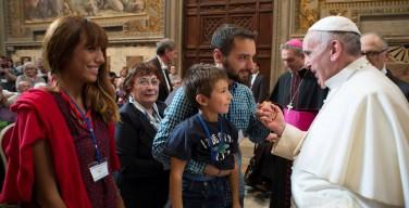 Папа: добрые самаритяне защищают нерождённых детей, стариков, бедных
