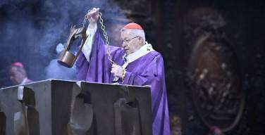 В Соборе Парижской Богоматери прошла Св. Месса по жертвам нападений