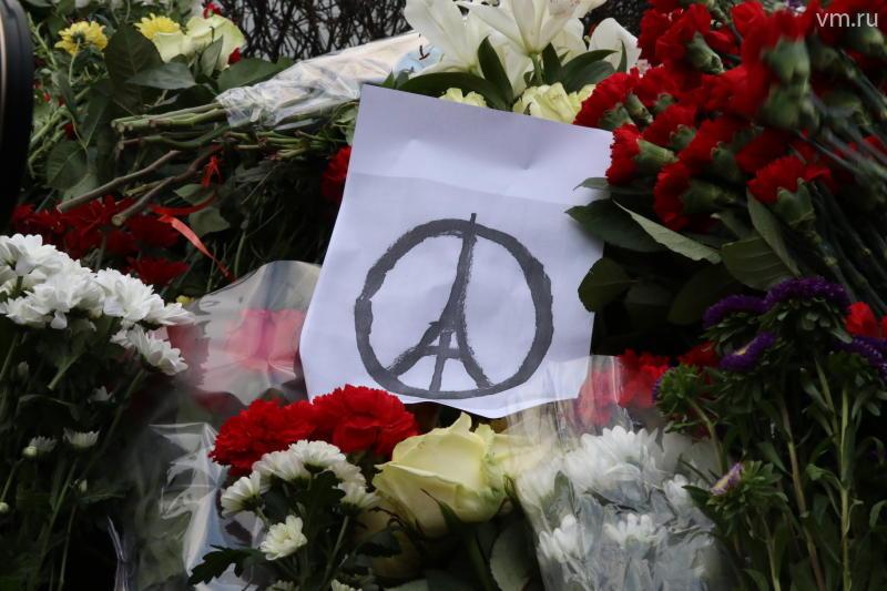Официальные данные о жертвах терактов в Париже: 132 погибших, 352 раненых