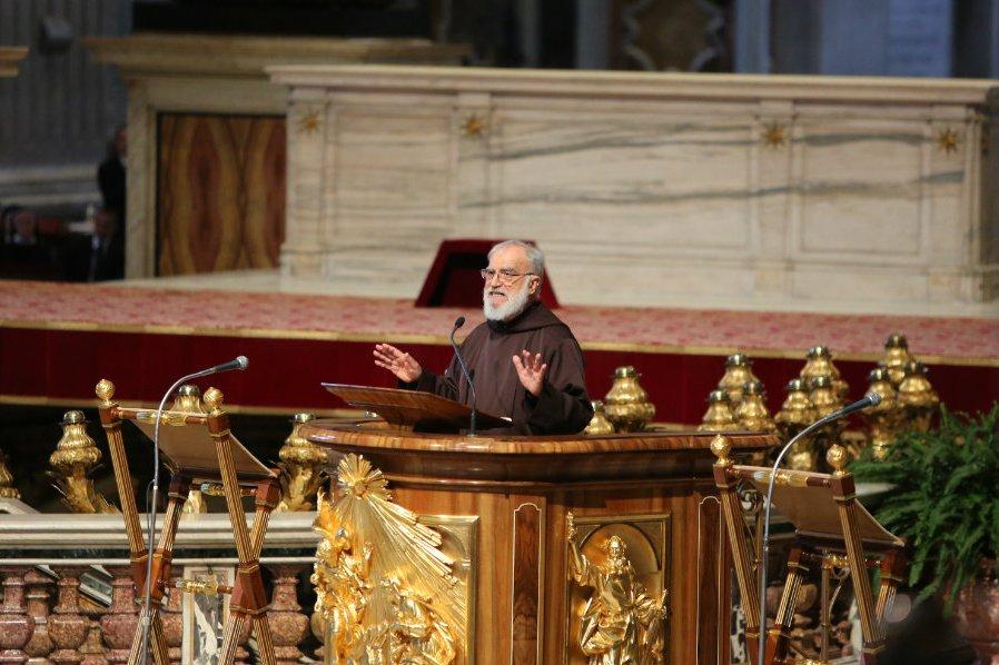 Отец Раньеро Канталамесса: подлинное почитание Девы Марии может стать мостом между католиками и протестантами