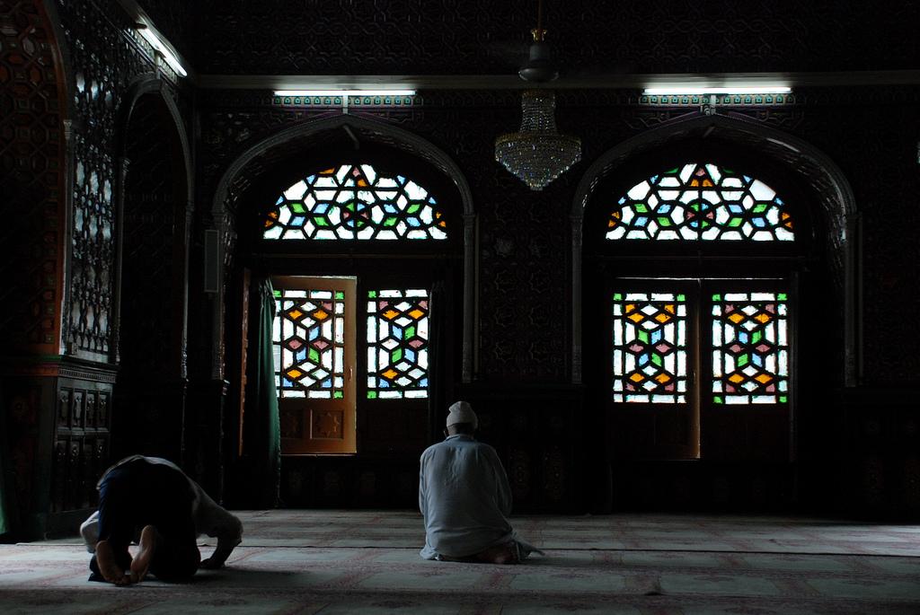 Франция планирует закрыть около 160 мечетей, признанных экстремистскими