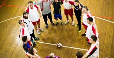 В Петербурге католические и православные семинаристы провели товарищеский футбольный матч