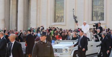 Папа не боится угроз исламистов и не наденет бронежилет
