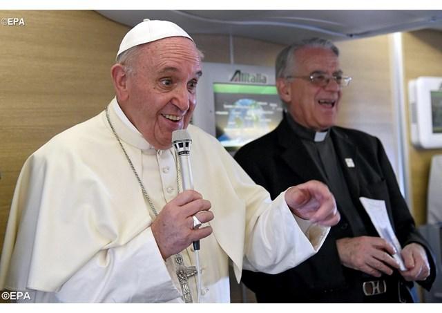 Послесловие к визиту Папы Франциска в Африку: на борту самолета об Африке и африканцах