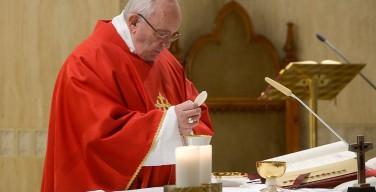 Папа: Бог побеждает Своим смирением