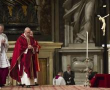 Богослужение Великой Пятницы в Ватикане (ФОТО)