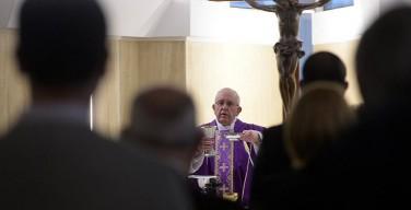 Папа: Иисус уничижил Себя ради любви и победил змея зла