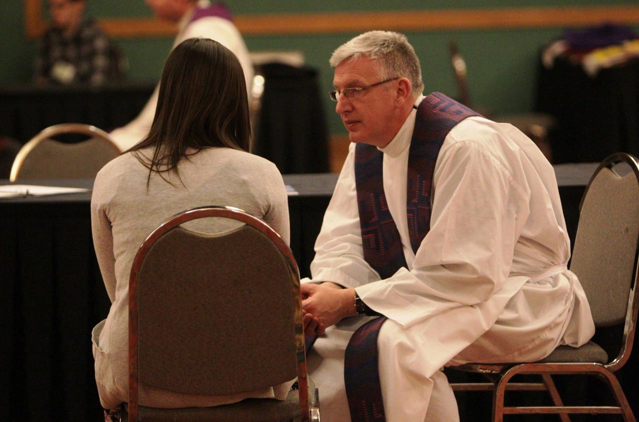 Только ли священник должен хранить тайну исповеди?