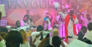 Жителей Лондона будят в три часа ночи богослужения общины пятидесятников